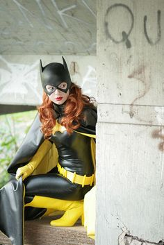 Batgirl (Barbara Gordon) Cosplay Model: Natascha Jones (aka Knightess Rouge)