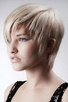 Trendy Light Blonde Pixie Cut