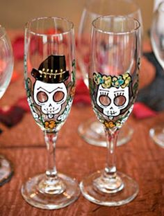Halloween Wedding Ideas That Are Classy, Not Creepy!