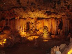 A Caving Safari in Splendid South Africa - South Africa is home to huge networks of caves, in which you can spend hours, or even days, exploring. Call Rothschild Safaris today at to set up your own adventure beyond the bush! South Africa Tours, Visit South Africa, African Safari, Africa Travel, Cape Town, Land Scape, Wonders Of The World, Adventure Travel, Places To Go