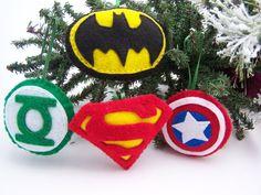 Adornos de fieltro SUPER héroe envío gratis Set de 4 Navidad adornos niño seguro a mano Batman Superman Capitán América Green lantern