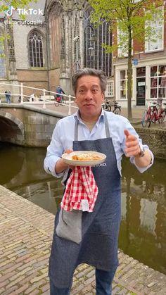 In deze video laat il tartufo Delft zien hoe makkelijkje een cannelloni kan maken met ricotta spinazie. #iltartufodelft #cannelloni #ricottaspinazie Best Fast Food, Cooking Stuff, World Recipes, Mediterranean Recipes, Delft, Soul Food, Ricotta, Allrecipes, Asian Recipes