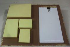 Caderneta com capa de cartonagem, forrada com papeis de scrap coordenados, decorado com uma coruja em relevo e strass.  Internamente contém :  1 Bloco Post-It 76x100mm (100 fls)  1 Bloco Post-It 76x50mm (100 fls)  2Bloco Post-It 51x38mm (100 fls)  30 folhas de papel sulfite 16 x 8,5cm    Medidas Fechado: comprimento 11,5 cm x atura 19,5 cm x largura 2 cm  Medidas aberto: comprimento 24,5 cm x altura 19,5cm  Peso:180g R$ 25,00