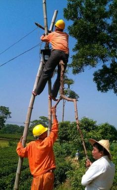 Work at height health and safety humour Funny Fails, Funny Jokes, Hilarious, Funny Images, Funny Photos, Safety Pictures, Random Pictures, Safety Fail, Walmart Funny