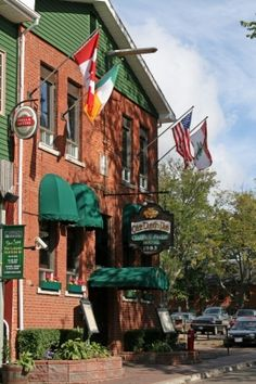 Olde Dublin Pub, Prince Edward Island, Canada. Door communitylid RWDreamlike - NG ReisCommunity © Dublin Pubs, Visit Dublin, Travel Log, Prince Edward Island, Largest Countries, Anne Of Green Gables, New Brunswick, Canada Travel, Nova Scotia