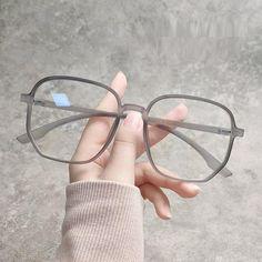 Cute Girl With Glasses, Glasses Frames Trendy, Trending Glasses Frames, Anti Glare Glasses, New Glasses, Glasses Trends, Lunette Style, Oversized Glasses, Fashion Eye Glasses