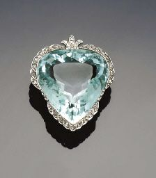 An early 20th century aquamarine and diamond brooch/pendant - the pear shaped mixed-cut aquamarine with rose-cut diamond edging with later single-cut diamond trefoil pendant loop surmount    c.1915  -  Christie's