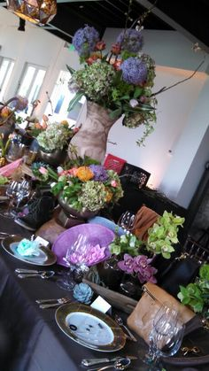 More merchandising and floral work for an accessories event during Nashville Fashion Week 2015. #AmosEvents
