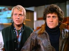 There was not, in my opinion, a more dreamy cop team in the than Paul Michael Glaser and David Soul - aka Starsky and Hutch. Celebrities With Cats, Celebrities Before And After, Celebrities Then And Now, 70s Tv Shows, Great Tv Shows, Cops Tv Show, Mejores Series Tv, Paul Michael Glaser, David Soul
