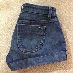 Joes's Jean short size 25 Joe's Jean cuffed short size 25. In good condition Joe's Jeans Jeans