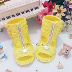 Sapato de croche  Confeccionados com linha 100% algodão  Tamanhos:  14 - 0 a 2 meses  15 - 2 a 4 meses  16 - 4 a 6 meses