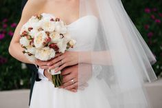 'I do' - Bridal bouquet - The Lone Hydrangea