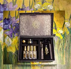 Discover NadiaZ Collection Vetiver Expressionism By Flower 4 unique fragrances with this Discovery Box  in delicate  4ml (0.13 oz) Mini-Spray bottles. It is a new and playful approach to perfumes, whereby you can live an intense sensorial experience. Discovery Box, Perfume Samples, Romantic Dinners, Spray Bottle, Expressionism, Thoughtful Gifts, Fragrances, Special Events, The Balm