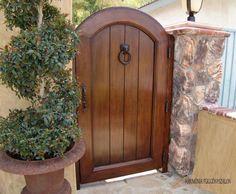 another side gate idea Backyard Gates, Garden Gates And Fencing, Garden Doors, Fence Gate, Fences, Wooden Garden Gate, Wooden Gates, Wooden Fence, Side Gates