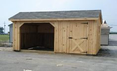 http://www.horsebarnsforsale.net/images/Run%20In%20Shed%20with%20Stall.jpg