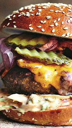50 Unique Burger Recipes to Explode Your Taste Buds! - Jamie Oliver's Insanit. - 50 Unique Burger Recipes to Explode Your Taste Buds! – Jamie Oliver's Insanity Burger – - Gourmet Burgers, Burger Recipes, Beef Recipes, Cooking Recipes, Healthy Recipes, Burger Ideas, I Love Food, Good Food, Yummy Food
