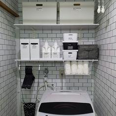 洗面所の収納、どうされていますか?洗剤やストックなど、必要なものが多く、雑然としがちですよね。普段からきちんと収納しておけば、買い忘れや使い忘れなども防げます。そこで今回は、収納するだけでなく、更に素敵なインテリアにされている実例から、思わず人に見せたくなるようなアイディアまでご紹介します。