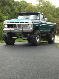 """Highboy 4"""" lift and 40"""" ground hawgs"""