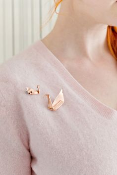 Origami Swan Jewellery DIY. Create your own pin with copper foil!