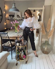 Happy Friday the bar is open and fully stocked! Wearing my favoutite shirt and joining in with #dressupfriday which was created by @the_brand_ambassadors_agency.  Such a fun way of ending the week and lifting our spirts in more ways than one #cheers . . Outfit details over on @kerrylockwood_style . #whatiworetoday #stayhome #stayathome #fashionablefriday #fridayfashion #styleinspiration #fridaystyle #myhappyinstasquares #diningroom #diningroomdecor #drinkstrolley #homebar #barcartstyling #barcar