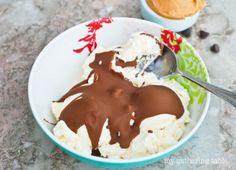 Peanut Butter and Chocolate Ice Cream Shell (Quick & easy - Absolutely delicious!)