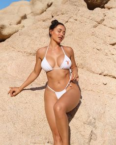 The beauty of model Ana Cheri Bikini Sexy, Bikini Girls, Best Instagram Models, Gorgeous Latina, Ana Cheri, Fitness Inspiration Body, Famous Girls, Bikini Workout, Sexy Curves