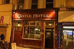 Visit the old proper pubs in Manchester oike this one. Manchester England, Manchester City, Vintage Children Photos, Pub Signs, Salford, Urban Life, Hotels And Resorts, Luxury Travel, Brewery