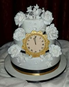 Annie's Appetite: Another wedding cake and a couple of late resolutions Resolutions, Irish, Wedding Cakes, Posts, Couples, Cooking, Desserts, Blog, Wedding Gown Cakes