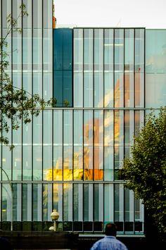 Roldan Berengue - Nueva Sede del Colegio de Economistas