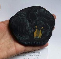 Hand-Painted-River-Rock-Black-Bear-Cub-Wildlife-Hunting-Cabin-OOAK-Folk-Art-MMW