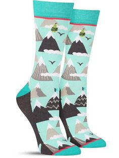 For those days when you need a little extra motivation — plus great style at the same time — slip into these cool mountain socks! Featuring a fun print of snow-capped mountains with flags on top, thes