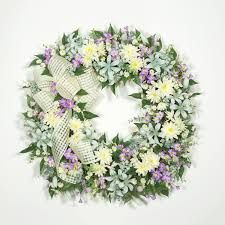 """Résultat de recherche d'images pour """"bloemen muur maken"""" Floral Wreath, Wreaths, Spring, Home Decor, Summer, Floral Crown, Decoration Home, Summer Time, Door Wreaths"""