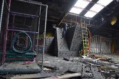 Rock Climbing in a Fire Damaged Abandoned 'Fun Zone' [OC] [960x640]
