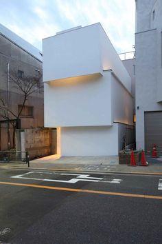OBI minimalist house - Tokyo, Japan   house . Haus . maison   Architect: Tetsushi Tominaga  