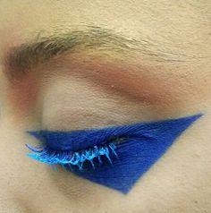 Geometric eyeliner