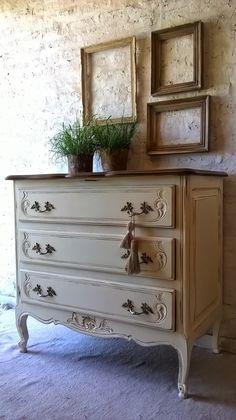 Cute Furniture, White Painted Furniture, Diy Furniture Projects, Distressed Furniture, Recycled Furniture, Paint Furniture, Furniture Makeover, Vintage Furniture, Provincial Furniture