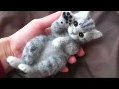 Wool Fairy Tutorial Part 3 Of 7 - Youtub - Diy Crafts Needle Felted Cat, Needle Felted Animals, Felt Animals, Needle Felting Tutorials, Felt Cat, Nuno Felting, Stuffed Animal Patterns, Felt Hearts, Felt Toys