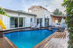 VILLA ROURE is a magnificent modern villa, offering hihg quality style with a contemporary feel. The Villa is located in a residential area.