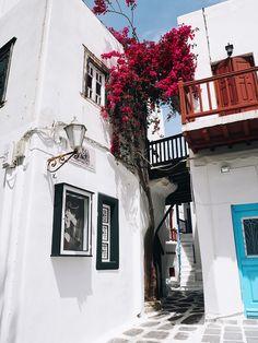 Mykonos Town in Greece. #mykonos #travel #beautiful #greece | hannahandtheblog.com