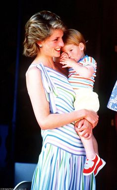 A sleepy two-year-old Harry sucks his thumb as he cuddles his mother during a 1986 summer holiday to Majorca. Charles, Diana and the Princes were the guests of King Juan Carlos and Queen Sofia of Spain Princess Diana Photos, Princess Diana Family, Princes Diana, Real Princess, Princess Of Wales, Lady Diana Spencer, Duke And Duchess, Duchess Of Cambridge, Prinz Harry