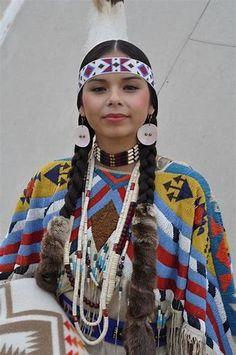 Andy - Yakama Nation - Beadwork - Pendleton Round Up - Native American W. -Latonia Andy - Yakama Nation - Beadwork - Pendleton Round Up - Native American W. Native American Girls, Native American Pictures, Native American Beauty, American Indian Art, Native American History, American Indians, Native American Hairstyles, American Symbols, Native American Costume Womens