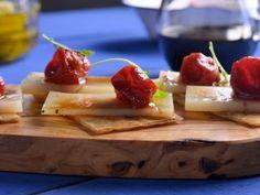 Hoja de impresión de Coca de tomates confitados, queso y rúcula