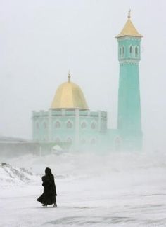 ♣♣ the Nurd Kamal mosque in Norilsk ♣ Siberia ♣ Russia ♣♣ Mosque Architecture, Russian Architecture, Beautiful Architecture, Art And Architecture, Islamic World, Islamic Art, Beautiful Mosques, Beautiful Places, Arctic Circle