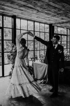 Twirling bride Photo: @samsparksphoto