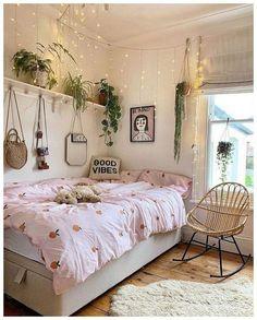 Bohemian Bedroom Decor Bohemian Style Ideas For Bedroom Decor « Home Decor - Bedroom ideas Cute Bedroom Ideas, Room Ideas Bedroom, Bedroom Inspo, Bedroom Designs, Teen Bedroom, Modern Bedroom, Comfy Room Ideas, College Bedroom Decor, Girls Bedroom Colors