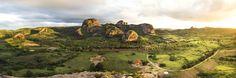 Imagem panorâmica da Pedra da Boca em Araruna, PB. ... - Imagem panorâmica da Pedra da Boca em Araruna, PB. Vista a partir da Pedra do Lagarto. Divisa dos Estados da PB e RN.