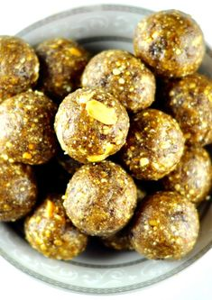 Ragi ladoo is a healthy and energetic snack recipe with ragi roti, peanuts, and jaggery. Kids would love this ladoo, excellent snack option. Healthy Snack Options, Easy Healthy Recipes, Healthy Snacks, Snack Recipes, Cooking Recipes, Cooking Pork, Healthier Desserts, Cooking Salmon, Sweets Recipes