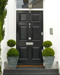 Grand, oversized Georgian door with moulded panel detail clear glass fanlight and chrome door furniture. Georgian homes lend themselves to opulent design, whether that's extra thickness, more width or sumptuous moulding. Front Door Steps, Front Door Entrance, Exterior Front Doors, House Front Door, Glass Front Door, Front Porch, Exterior Windows, Georgian Doors, Victorian Front Doors