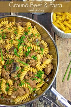 Ground Beef & Pasta with Gravy--delicious and on the table in 20 minutes | bakeatmidnite.com | #groundbeef #pasta #gravy #skilletdinner