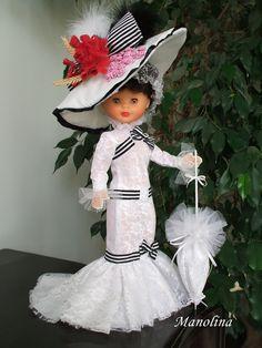 Este blog está dedicado a la muñeca Nancy en particular, ella va a ser el eje en torno al cual iré introduciendo el resto de mis aficiones, espero que paséis un buen rato visitándolo.